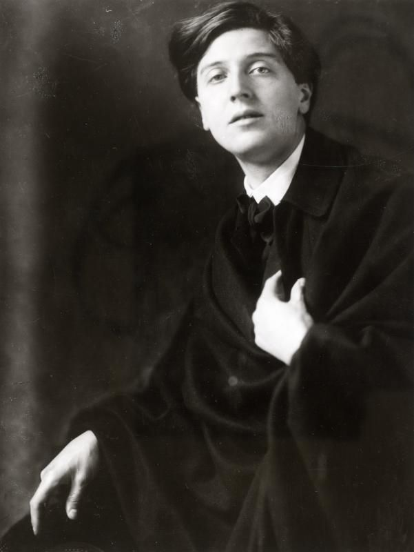 Composer Alban Berg, 1909  photos by Madame d'Ora