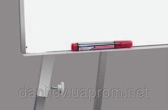 Флипчарт Training, фото 2. Флипчарт Training ― качественный и удобный инструмент для презентаций размером 65х100 см. Флипчарт является магнитно-маркерной доской на треноге, которая обрамлена в надежную алюминиевую раму. В комплекте  есть полка для маркеров. Тренога с регулирующейся высотой ножек (до 190 см) позволяет изменять высоту и угол наклона доски. Альбом для флипчарта можно закрепить с помощью специальных держателей.