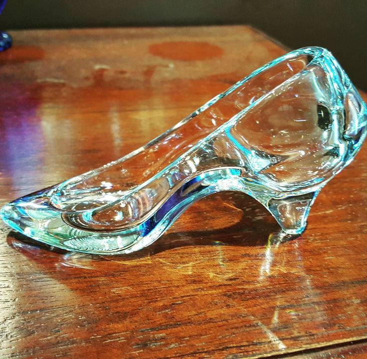 We have a fabulous looking glass slipper ornament here at Ibon Antiques. Much like Rapunzels hair and Snow Whites dwarves, a glass slipper conjures up the image of Cinderella. The princess who, after dancing with a guy once, entered into an ill-advised marriage that lasted 7 months. They were divorced with the goal of bettering themselves. They got into a huge fight when his mom got sick, and now they don't even follow each other on Twitter. The end.  #edmonton #antiquestore #cinderella…