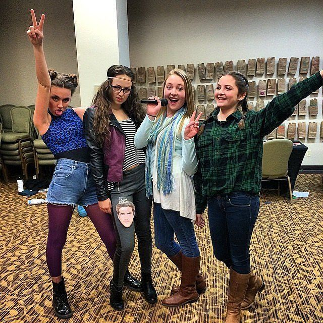 60 creative girlfriend group costumes - Macgyver Halloween Costume