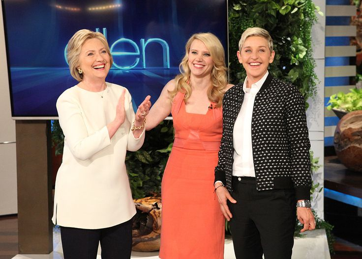 Kate McKinnon's Back-to-Back Impressions of Hillary Clinton and Ellen DeGeneres Will Make You Laugh Out Loud | E! Online Mobile