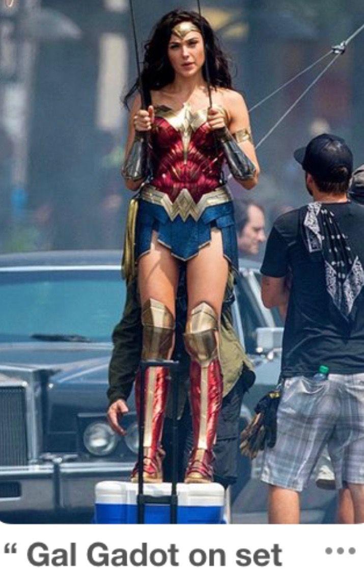 Wonder Woman 84 Set Photos Gal Gadot Wonder Woman Wonder Woman Cosplay Wonder Woman Movie