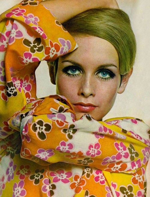 Twiggy, 1967 - fantastic era - who didn't draw their eyelashes on? I know I did... for awhile.