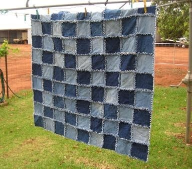 denim quilt- great way to recycle jeans with holes, I could keep this in the car to use for picnics