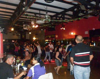MIX CUMBIAS VIEJITAS PERO BONITAS PARA BAILAR! (Las Mejores Cumbias Clásicas) : ChechoSwingCR - Clases de Baile, Swing Criollo, Bolero de Salón y Cumbias para bailar.