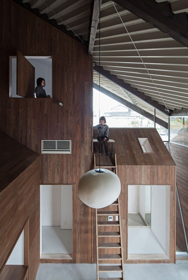 Rain Shelter House by Y+M Japan 1 600x895 Rain Shelter House by y+M is a Maze of Personal Spaces for a Family