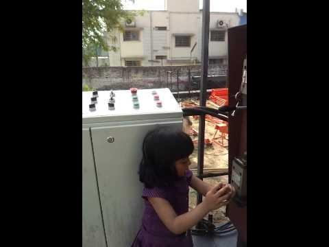 Operating UNiSTEEL SRCP 750 Concrete Paver Machine by Little Child