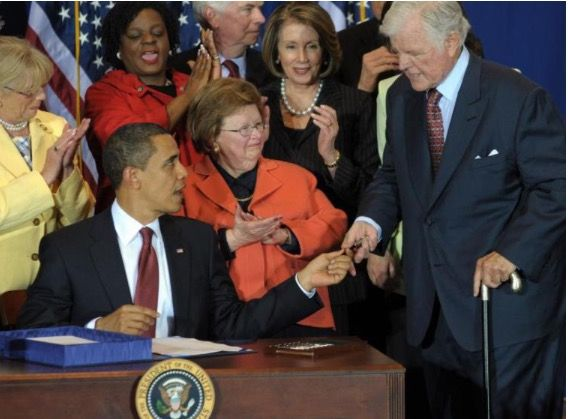 #REASON WHY PRESIDENT OBAMA GAVE SENATOR KENNDY THE #PEN AFTER HE s#SIGNED THE #BILL #44thPresident #BarackObama hands a #pen used to #signed the Edward M. Kennedy Serve America Act to #Senator #EdwardKennedy D-MA, at the SEED Public Charter School on April 21, 2009