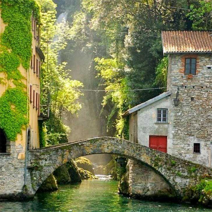 En la región de Lombardía se encuentra Nesso, un pequeño pueblo ubicado en la orilla del Lago de Como. Su nombre viene de Nessus, el centauro que era el barquero del río Euenos. Y aunque no es muy conocido, esto es sólo parte de su encanto.