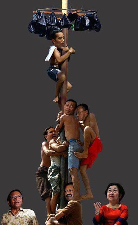 Lomba Panjat Pinang 17 Agustus 2013