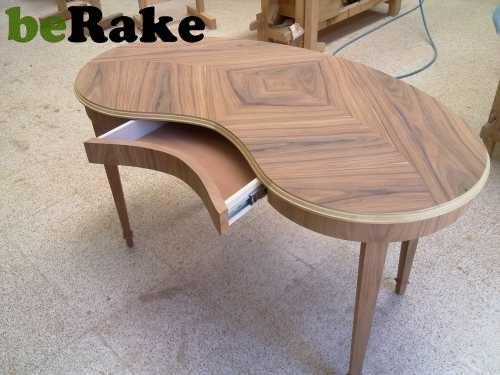 Vendo Mesa escritorio de estilo thomas chippendale...