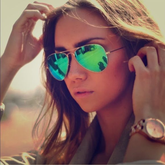 b31b6007828b RAY BAN Green Aviator Mirror Sunglasses IN CASE Reflect your style with Ray-Ban  Aviator Flash lens sunglasses