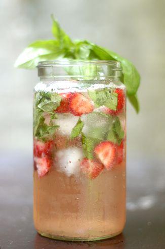 Strawberry Basil Bourbon Spritzer: Basil Leaves, Summer Cocktails, Bourbon Spritzer, Summer Drinks, Strawberries Basil Drinks, Basil Bourbon, Bourbon Basil, Basil Strawberries, Strawberries Bourbon
