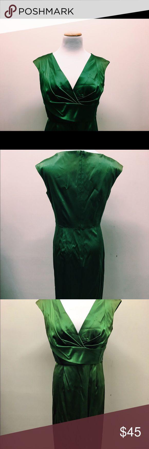 NWT Donna Ricco Emerald Green Silk Dress Perfect condition. NWT. Gorgeous Emerald green silk dress. Size 8 Donna Ricco Dresses Midi