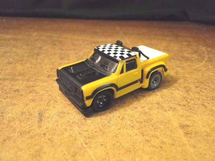 Ideal HO Scale Slot Car, Yellow Dodge Pickup Slotless, works great