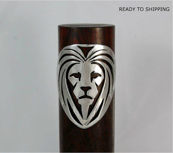 Insignia Escudo bicicleta. Insignia de león. Aluminio. Lista para enviar.