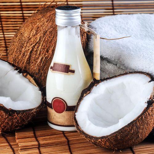 Kokosöl-Lotion gegen Cellulite