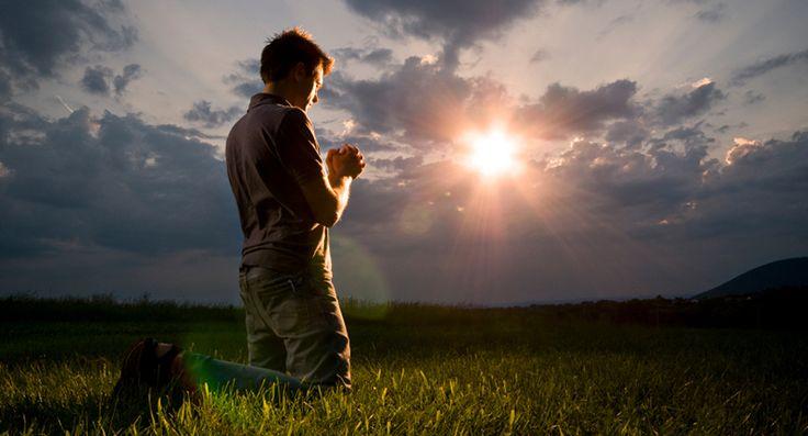 Quando Jesus ensinou aos seus agregados a orar em espírito e em verdade, ele explicou que se referia a orar com sinceridade e de acordo com o próprio esclarecimento, a orar de todo o coração de um modo inteligente, honesto e constante.