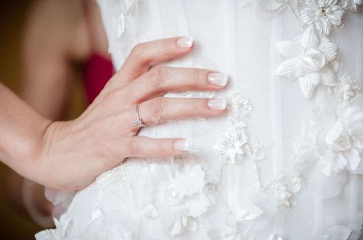 7 idee per la vostra manicure da sposa