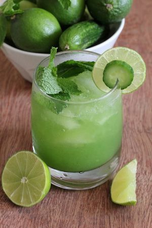 Tangy cucumber-mint cocktail.Very delicious mixed drink,which includes fresh cucumbers,mint leaves and lime juice.