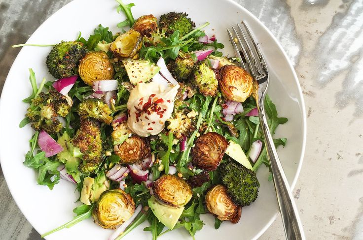 This is one of my fave quick and easy lunch combos! Filled with nutrients and antioxidants from broccoli and Brussels sprouts (brassica veggies are loaded with fibre and liver detoxifying power!). …