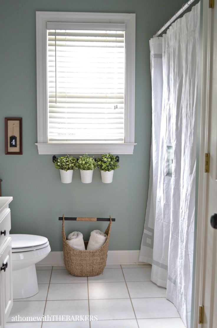 Holiday Ready Room Refresh using BEHR Marquee paint.