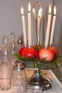 centerpiece idea- cute for Christmas or fall: Swedish Christmas, Christmas Crafts, Candles Holders, Holidays Ideas, Apples, Christmas Decor, Victorian Christmas, Centerpieces, Christmas Ideas