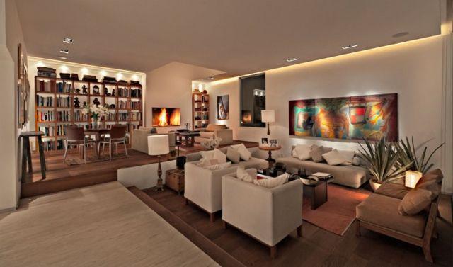 Holzboden Belag Sessel Kaffeetisch Beleuchtung Ledermöbel