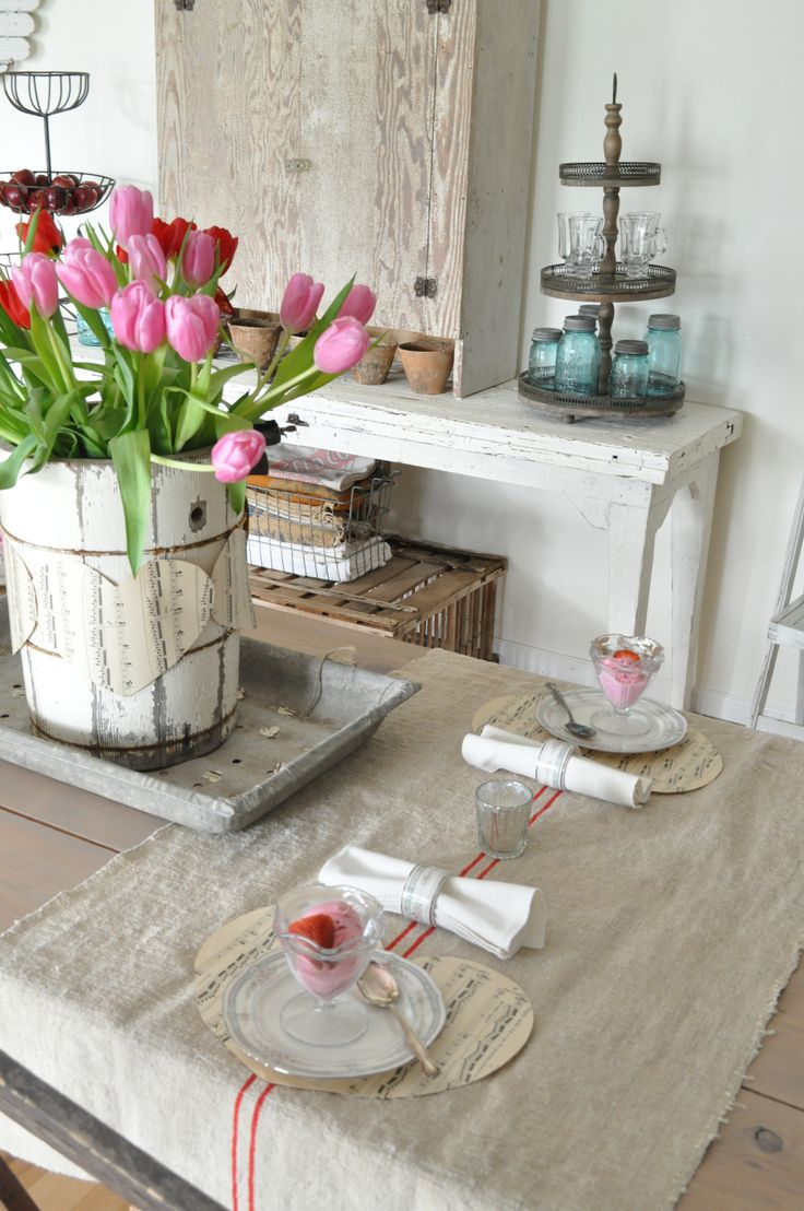 table with music sheet heart place mats