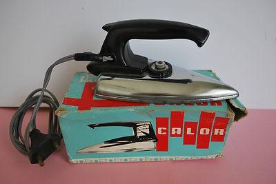 """Ancien fer a repasser jouet électrique Calor """"jouets jolux dans sa boite , qui est un peu abimée"""