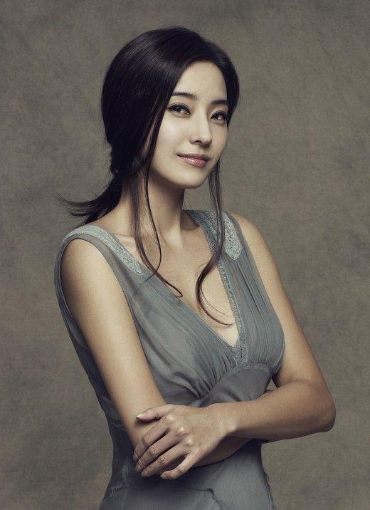 Han Chae-Young-p3.jpg
