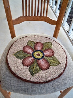 Cathy Greschneru0027s Hooked Chair Pad. PRETTY.