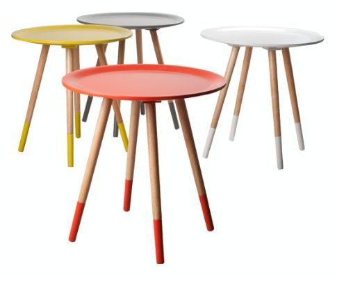 Mooie bijzettafeltjes in verschillende kleuren te bestellen.   http://www.decoboom.nl/producten/meubels/tafels-en-krukjes/zuiver-bijzettafel-two-tone