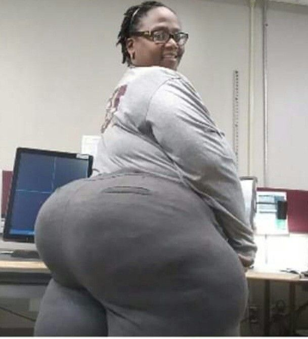 Ebony Lesbian Strap Gangbang