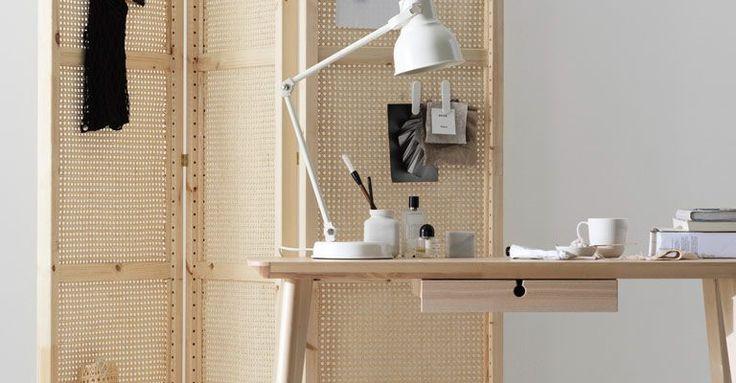 Följ rottingtrenden och gör en dekorativ och praktisk vikskärm av IVAR gavlar.
