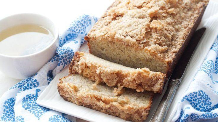Blogger Cindy Ensley of Hungry Girl por Vida tops classic banana bread with a crumbly cinnamon streusel.