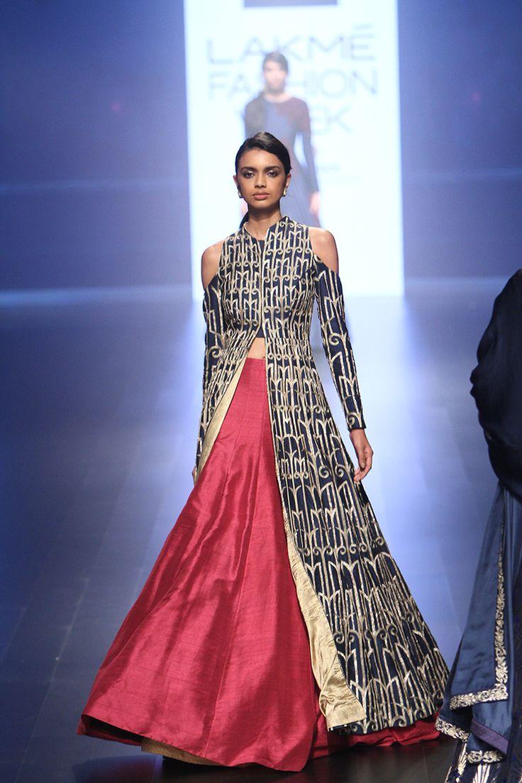 SVA by Sonam and Paras Modi   Lakmé Fashion Week winter/festive 2016 #SVASonamandparasmodi #LFWWF2016 #PM