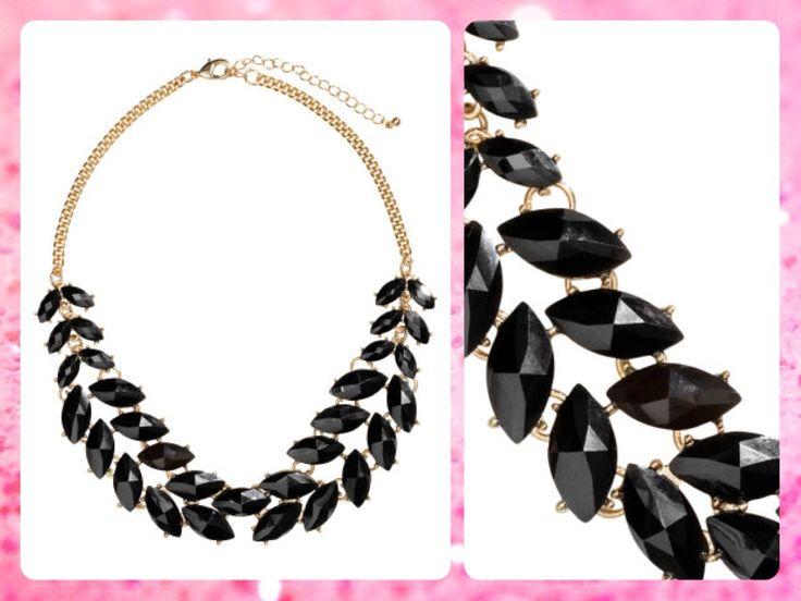 #MayaBoutiqueCR H&M Código: HMA-10 Short #necklace Color: Black Precio: $32,10 (¢17.500) Para pedidos y consultas llamar al teléfono 8963-3317 o al email maya.boutique@hotmail.com.