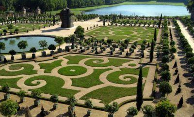 8 of World's Most Amazing Gardens