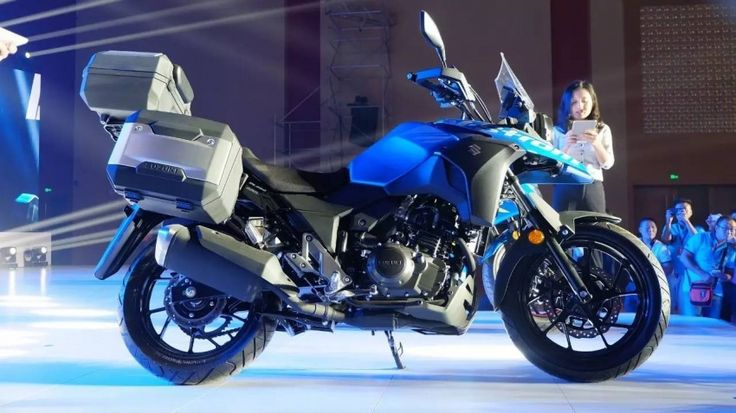 Suzuki Tampilkan V-Strom DL250 di China Motorcycle Exhibition