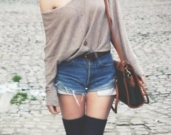 Knee highs are back in style, and I couldn't be happier.: Casual Style, Summer Wear, Clothing, Street Style, Sweaters Weather, Jeans Shorts, Thighs High Socks, Knee High Socks, Kneehigh