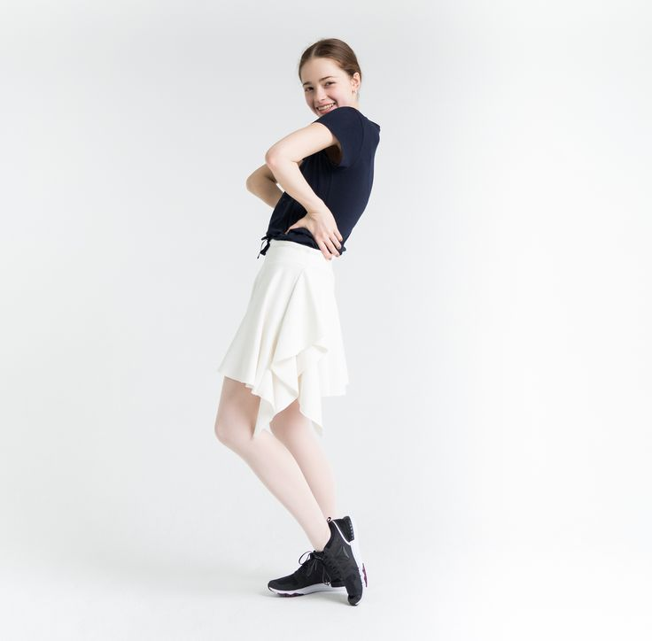 Это просто здорово! Скидки продолжаются!  Самое время для покупок! It's just great! Discounts continue! It's real time for shopping! Ballerina @zhanna_gubanova  Photo by @alisaaslanova  #balletmaniacs #balletwear #dancewear #worldwideballet #dance #russianballet #balletphoto #fashion