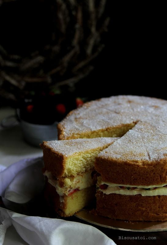 Bisous À Toi: A good and proper Victoria Sponge Cake