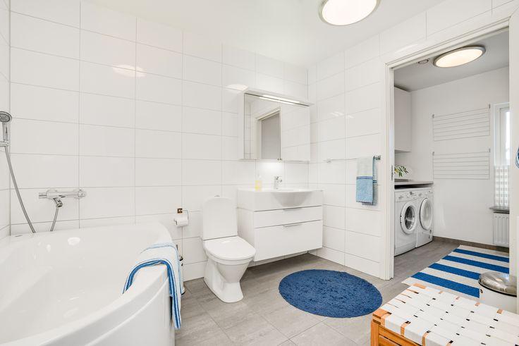 Praktiskt med tvättstuga ihop med badrummet