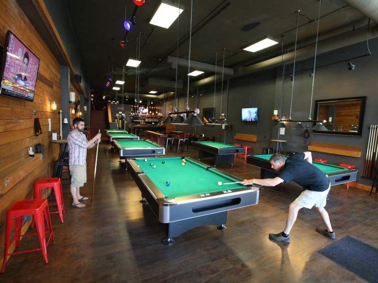 Dudau0027s Billiards Bar; Bend Pool Room Offers Quality Snacks Downtown