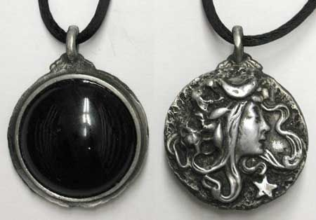 Scrying Goddess Pendant...so beautiful...I keep mine on all the time close to my heart! But that's just me!: Wicca Pagan, Black Onyx, Mirror, Scri Amulet, Scri Pendants, Goddesses Scri, Moon Goddesses, Jewelry, Necklaces