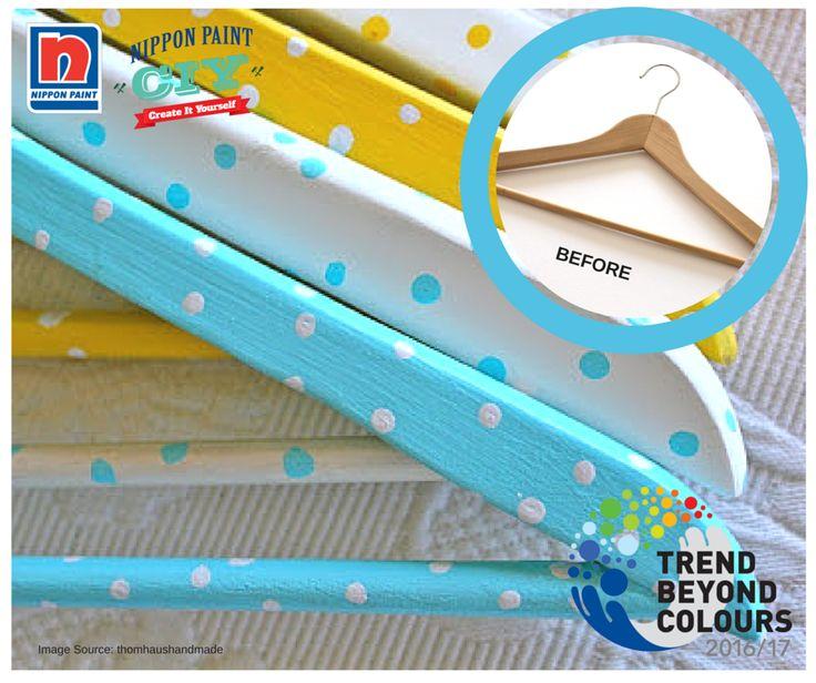 Ubah bagian dalam lemari Anda menjadi sebuah trend fashion dengan C-I-Y (Create-It-Yourself) gantungan pakaian Anda! Kami menyarankan untuk menggunakan Blue Lullaby NP PB 1550P yang merupakan warna manis dan ceria.