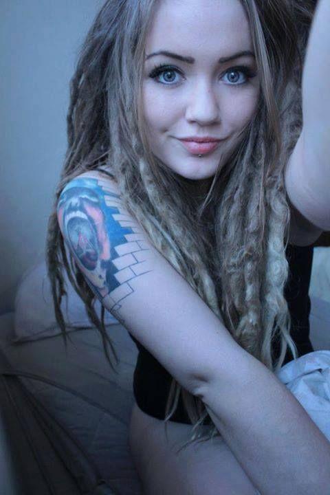 Naked white girl dreads