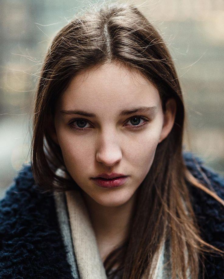 Clementine Deraedt NYC.  #clementinederaedt #stormmodels #stormlondon #portrait #street #streetportrait #joeharper #nikonusa #nikoneurope #newyorkcity #newyork #timessquare  @clementinederaedt @stormmodels  @vnymodels by jharphoto