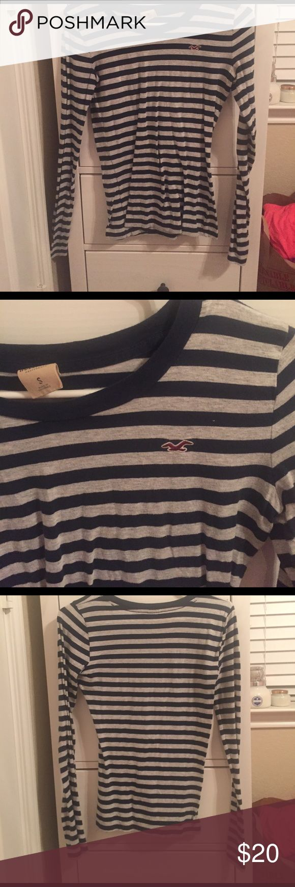 Hollister striped long sleeve shirt Blue and gray striped long sleeve shirt Hollister Tops Tees - Long Sleeve